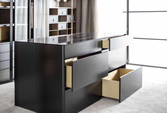 GOYA 44 Marmor schwarz glänzend Mittelinsel Ankleidezimmer Ankleideraum begehbarer Kleiderschrank Kommode Beimöbel