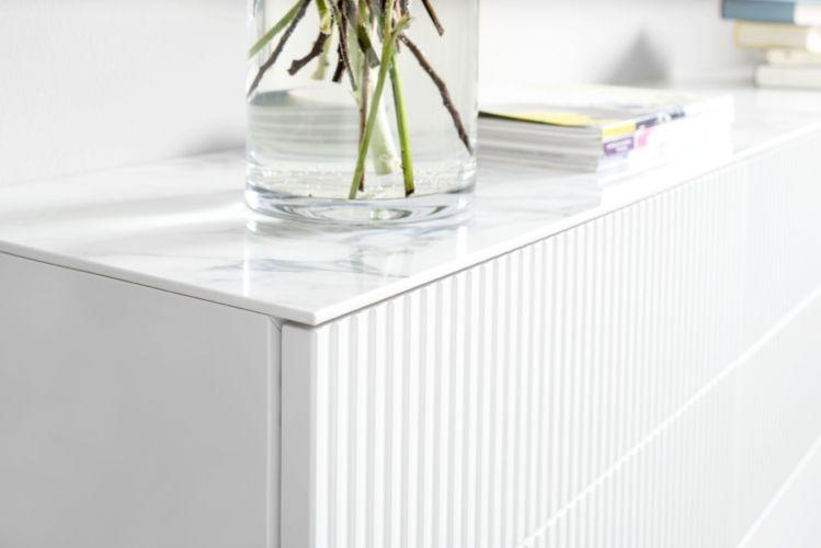 Schlafzimmer Kommode weiß Beimöbel Sideboard mit Spiegel schlafen Marmor weiß Marmoroptik