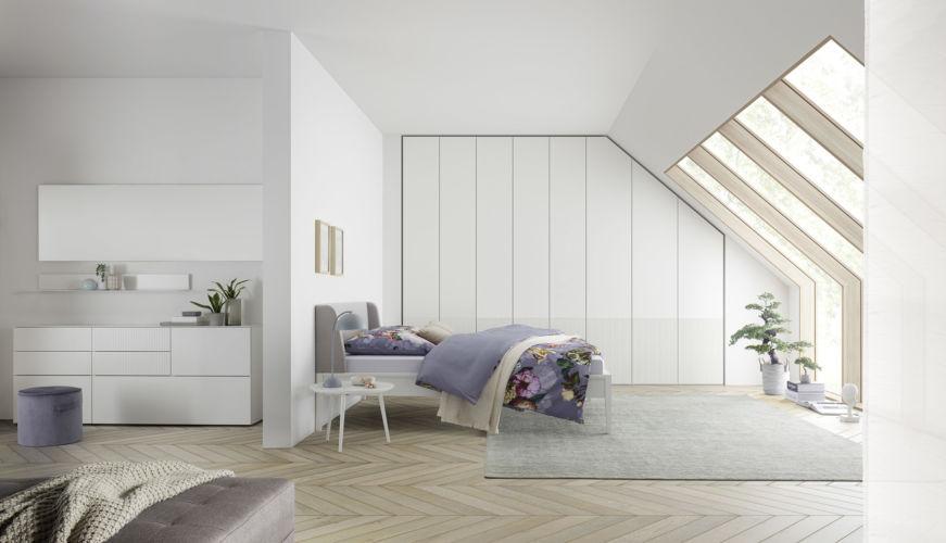 Schlafzimmer Milieu schlafen Sudbrock Kleiderschrank Artayo Mellini Cubo Miria Kleiderschrank Drehtüren Beistelltisch Kommode Beimöbel weiß Sideboard