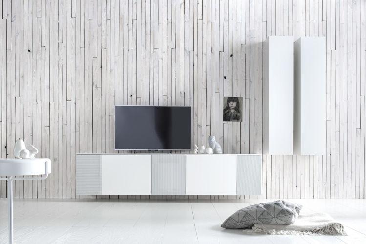 Wohnwand Medienmöbel Soundmöbel weiß TV-Wand Lack Sudbrock Lochblech Klappe hängend Hängekorpusse
