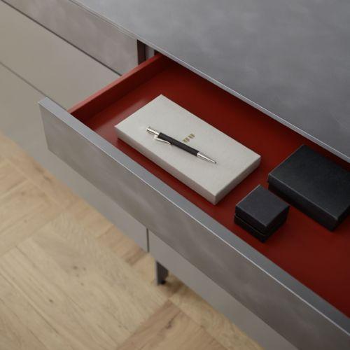 Sideboard Wohnzimmer Esszimmer Sudbrock rot grau Stahl gebürstet Zargenlackierung
