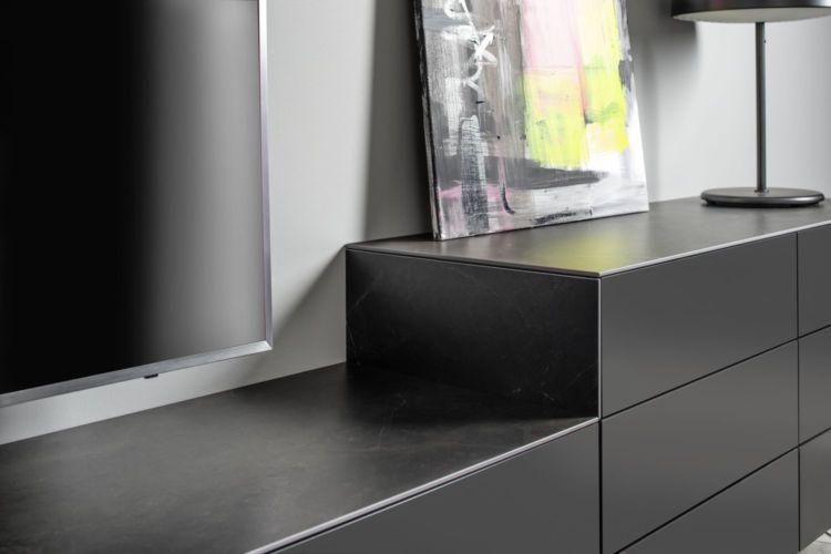 Sudbrock Wohnen Wohnzimmer Medienwand cosmos-schwarz Keramik Schiefer Keramikabdeckblatt Lowboard