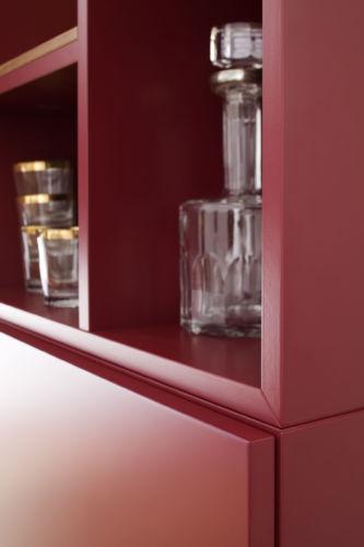 Vitrine Hängevitrine Glasausschnitt Beleuchtung Rückwand Esszimmer Speisezimmer Esszimmervitrine