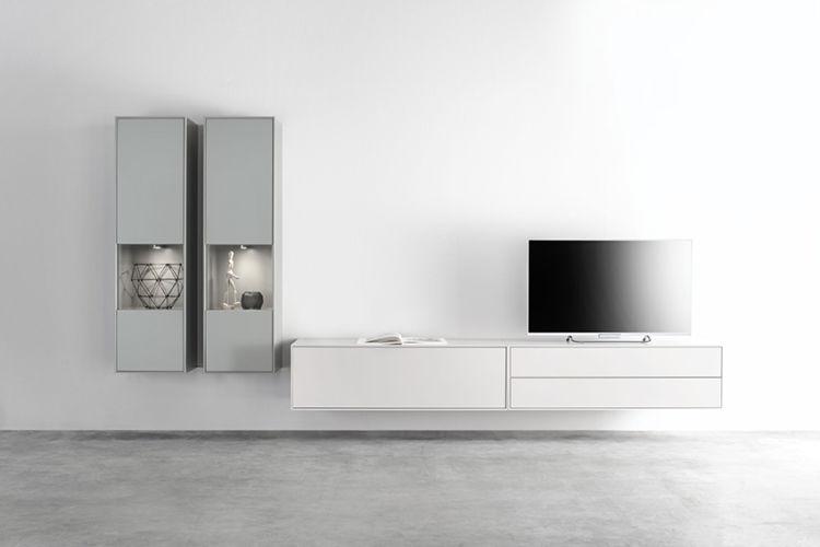 Wohnwand Medienmöbel Soundmöbel weiß grün TV-Wand Vitrinen hängend Sudbrock Wohnzimmer Lowboard