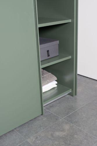 Kleiderschrank Schiebetüren Schlafzimmer Schrank geschlossener Kleiderschrank Sudbrock Goya Schlafen indirekte Beleuchtung salbei abgerundete Ecken