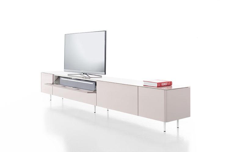 Wohnwand Medienmöbel Soundmöbel rosa Lack Lochblech Sudbrock lowboard GOYA Wohnzimmer weiß