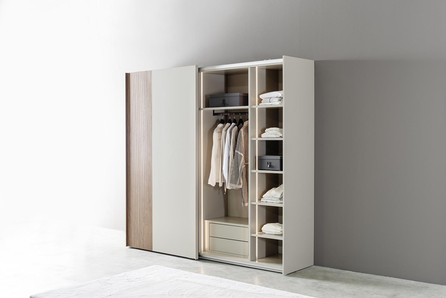 Kleiderschrank MIRIA Schrank weiß Sudbrock Schiebetürenschrank Schlafzimmer Schiebetüren braun Nussbaum grau Innenschubkästen