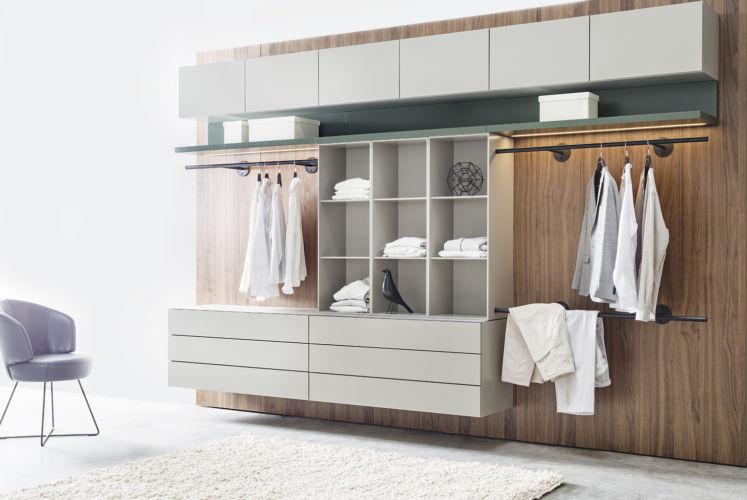 Sudbrock Trio Ankleide Ankleidezimmer offener Kleiderschrank Ankleideraum individuelle Lösung Kleiderstange Regale Kommode