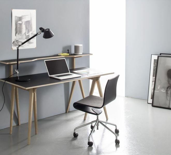 Sudbrock Berliner Bock Design Designelement Schreibtisch freistehend Michael Hilgers Linoleum iron braun schwarz Eiche massiv geölt Rehbock Home Office Büro